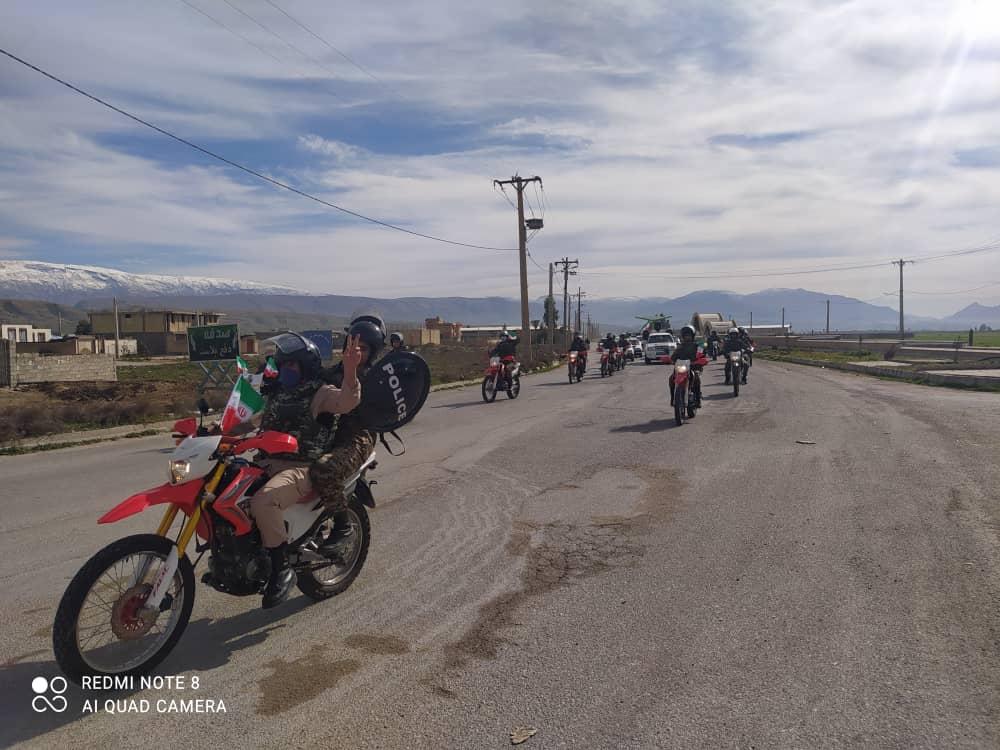 در سالروز پیروزی شکوهمند انقلاب اسلامی در دهدشت برگزار شد: رژه خودرویی و موتوری مردم در دهدشت